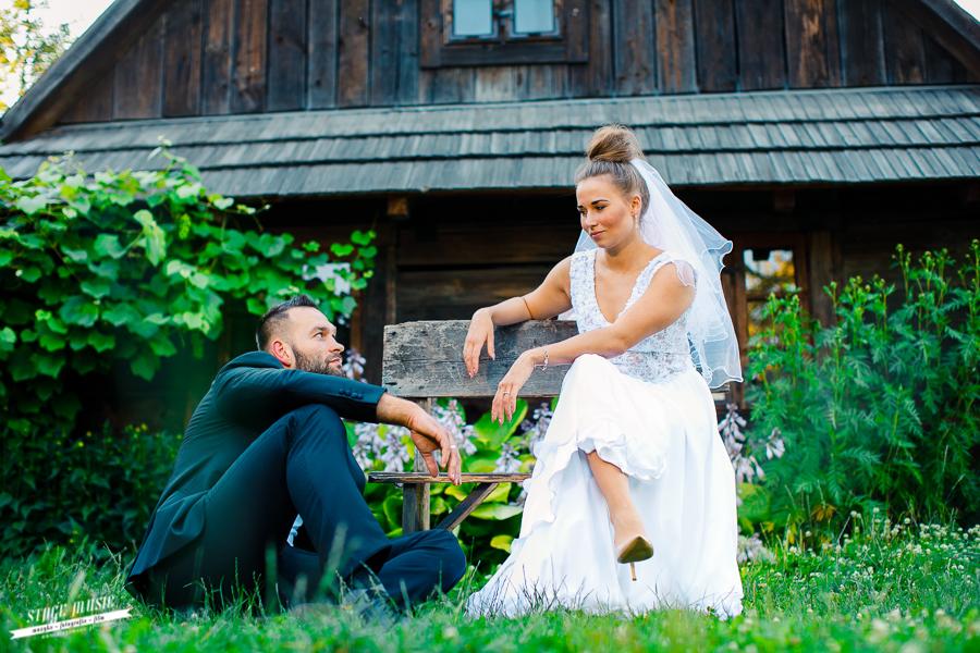 Sesja plenerowa w dniu ślubu, czy w tygodniu - fotografia ślubna Stage MUSIC
